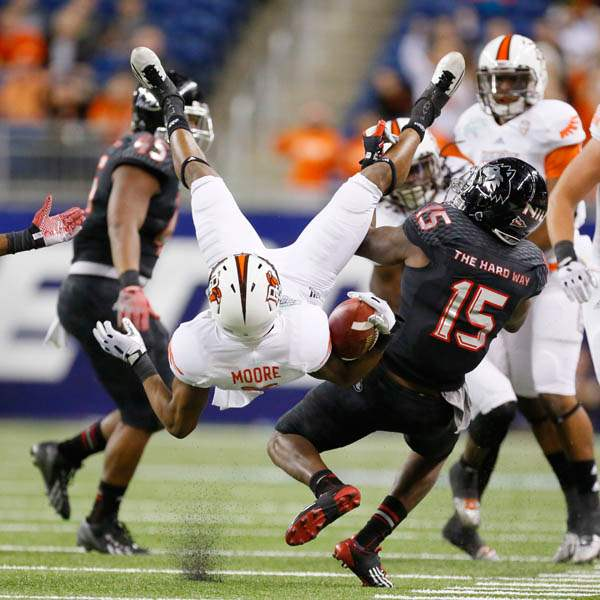Bowling-Green-State-University-player-Ronnie-Moore-5-is