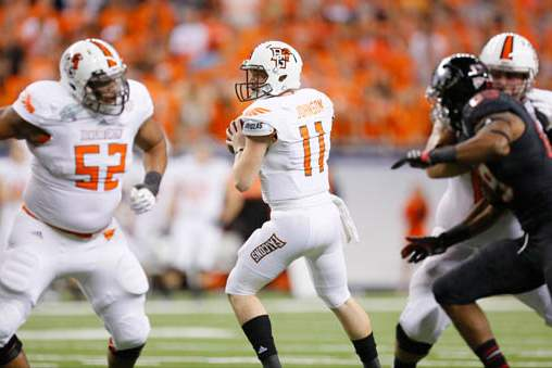 Bowling-Green-State-University-player-Matt-Johnson-11-looks-to-throw