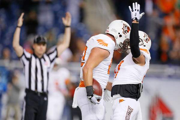 Bowling-Green-State-player-Alex-Bayer-82-celebrates-his-touchdown
