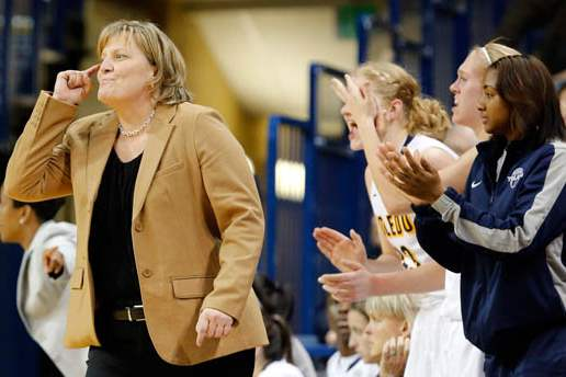 University-of-Toledo-head-coach-Tricia-Cullop-2