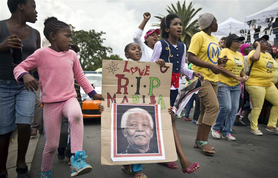 APTOPIX-South-Africa-Mandela-Mourning-1