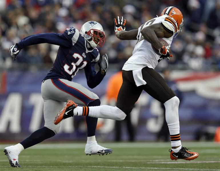 Browns-Patriots-Football-4