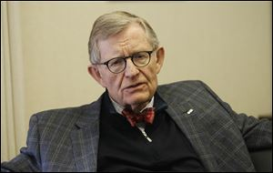 Former Ohio State University president E. Gordon Gee.