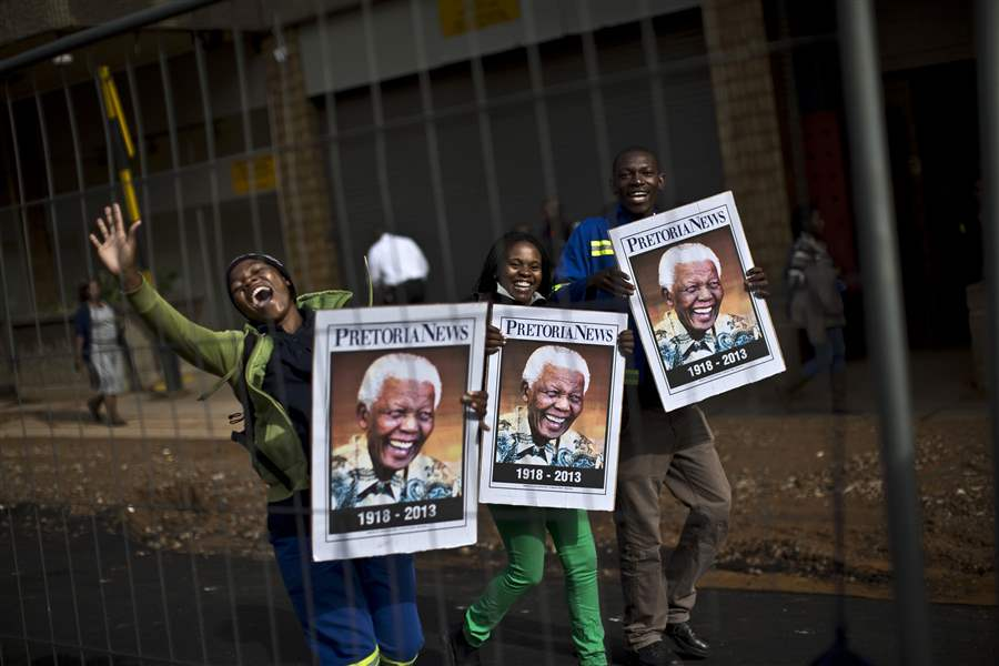APTOPIX-South-Africa-Mandela-Mourning-4