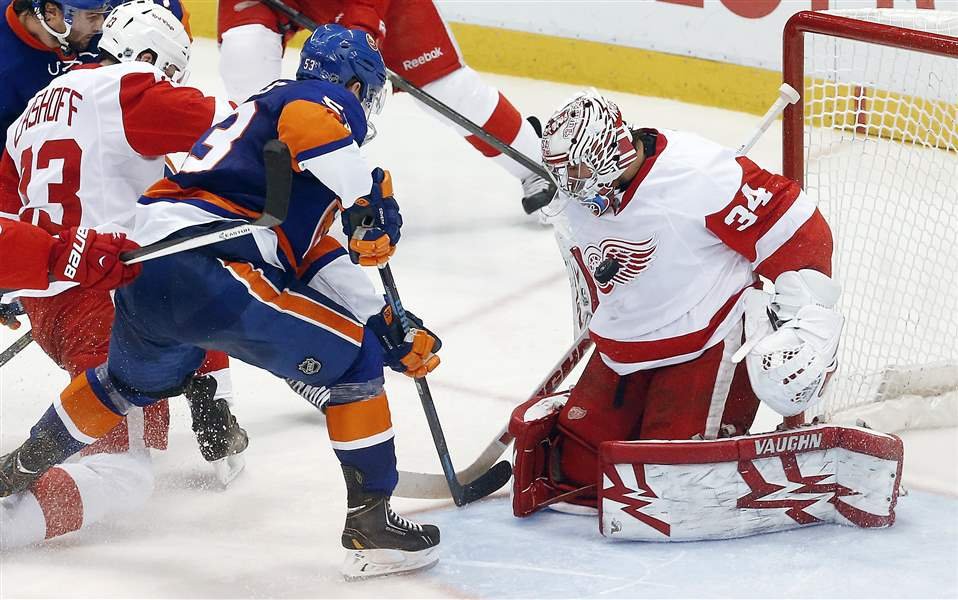 Islanders-Red-Wings-Hockey-4