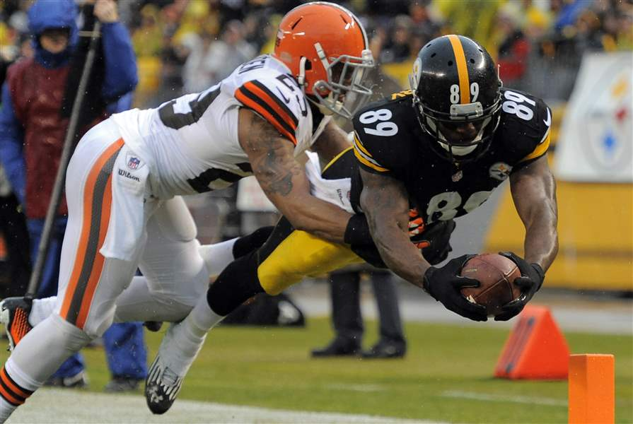 Browns-Steelers-Football-6