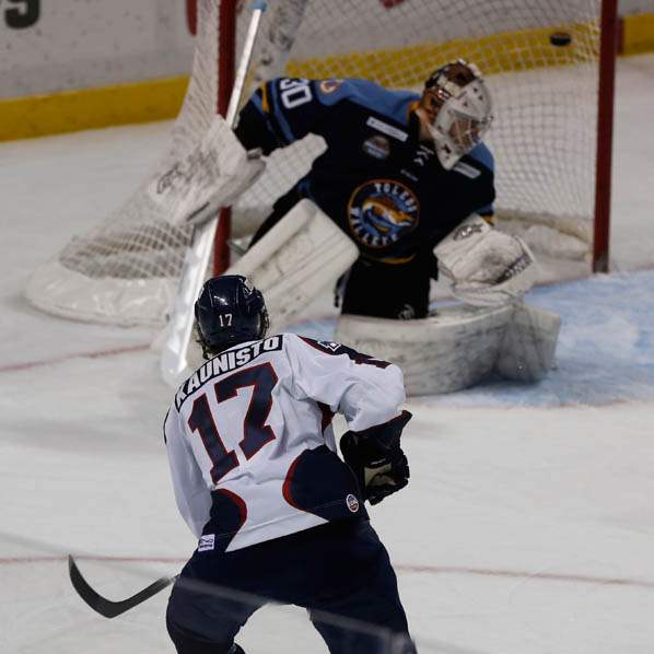 Kalamazoo-s-Ray-Kaunisto-attempts-to-score-but-i