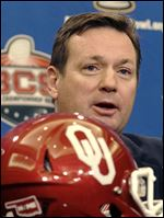 Oklahoma head coach Bob Stoops.