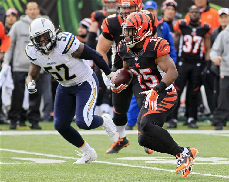 Chargers-Bengals-Football-3