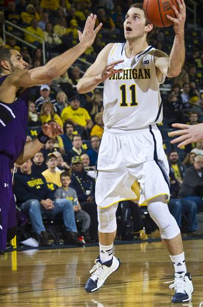 Northwestern-Michigan-Basketball-3