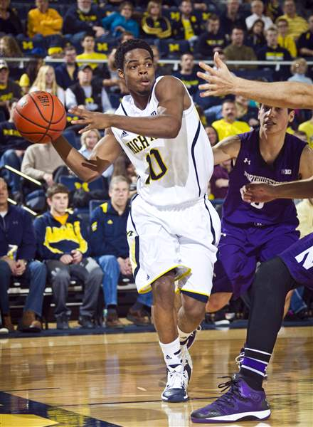 Northwestern-Michigan-Basketball-5