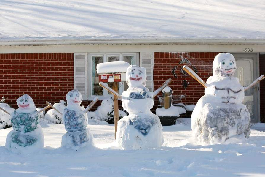 CTY-snow07p-snow-people-stachowiak-home-two