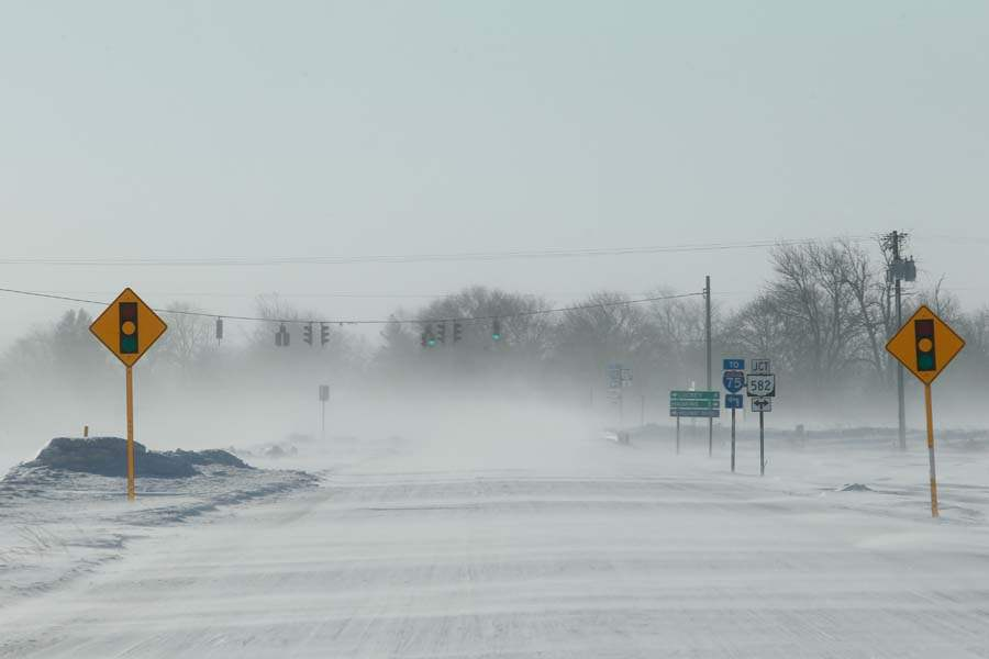 CTY-snowsouth06p-state-routes-blowing-snow-haskins