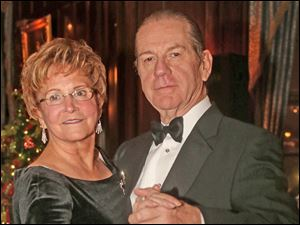 Paula and Len Hansen attended the Cotillion Club Dinner Dance at the Toledo Club.
