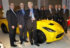 BIZ-AutoShow14p-Juechter-and-team-with-corvette-of-year