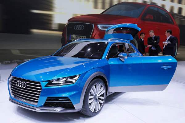The-AUDI-allroad-shooting-brake-e-tron-quattro