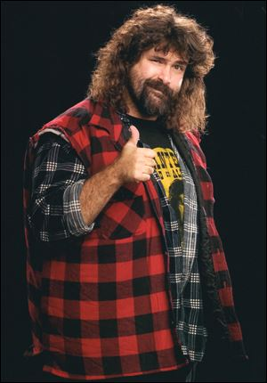 Mick Foley will draw on his exploits in the ring in a performance at the Toledo Funny Bone on Jan. 23.