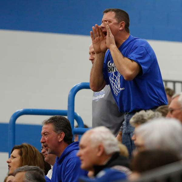 An-Anthony-Wayne-fan-protests-a-ref-s-call