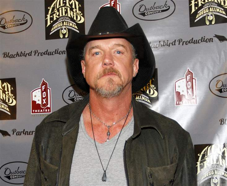 People-Trace-Adkins-1