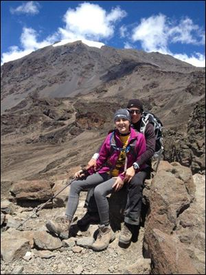 Alexis and her mother Suzanne Peats during the climb up Mount Kilimanjaro.