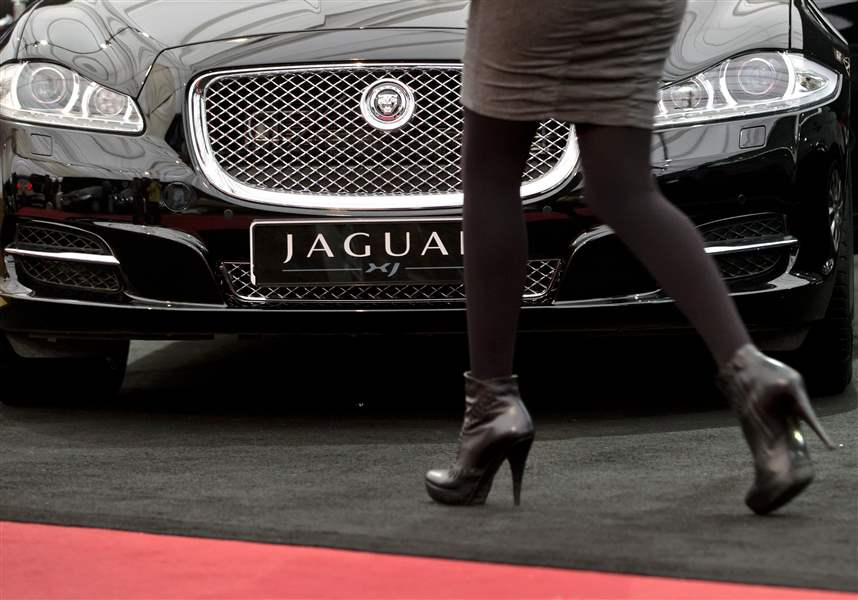 Auto-Show-Not-Just-For-Men-4