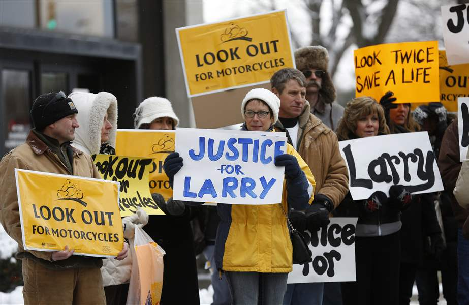 CTY-protest17p-justice-for-larry