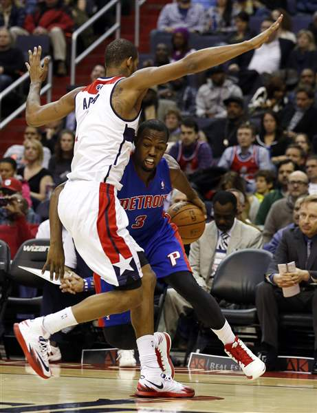 Pistons-Wizards-Basketball-2