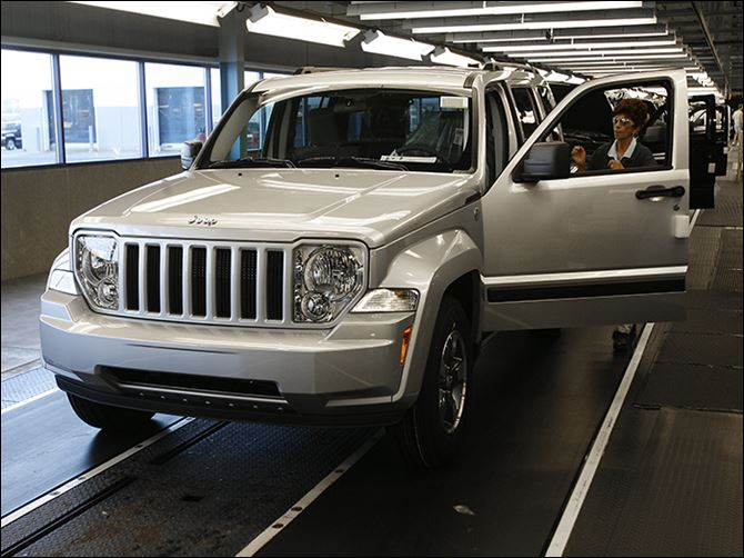 b3jeep-2 Chrysler built the Jeep Liberty in Toledo from 2001 to 2012. The recall affects 2002-07 Libertys  and 1993-2005 Grand Cherokees.