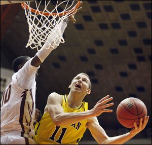 Michigan guard Nik Stauskas is leading the Big Ten in scoring with 18 points per game.