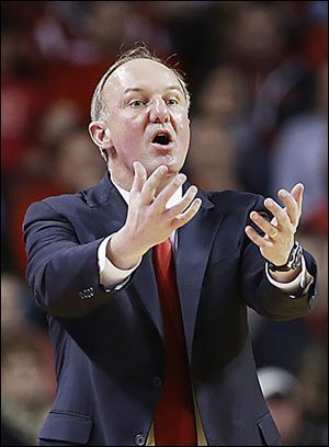 Coach Thad Matta and Ohio State have had their first four-game losing streak in six seasons.