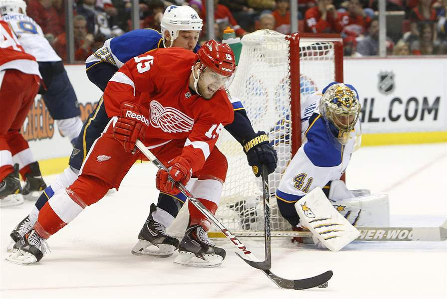 Blues-Red-Wings-Hockey-14