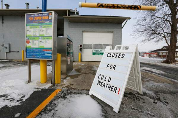 CTY-cold24p-closed-sign-Luna-Pier-Auto-Wash