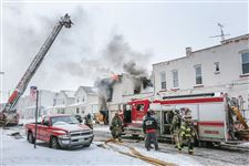 CTY-fire27p-1Toledo-firefighters-battle-a-blaze-at-528-Magn
