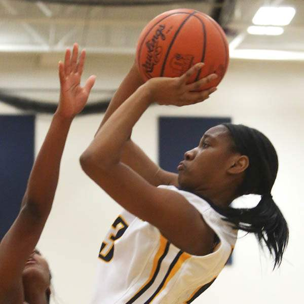 Notre-Dame-s-junior-Christiana-Jefferson-23-puts-up-t