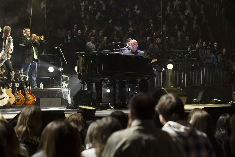 Billy-Joel-Performs-at-Madison-Square-Garden