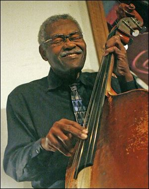 Jazz bassist Clifford Murphy will perform with friends to celebrate turning 82.