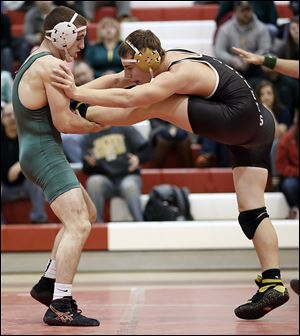 Clay's Andy Howard beat Perrysburg's Chase Newton in a 170-pound final in the Division I  regional semifinal. The Eagles won on a tiebreaker and advanced to the final where they defeated Elyria.