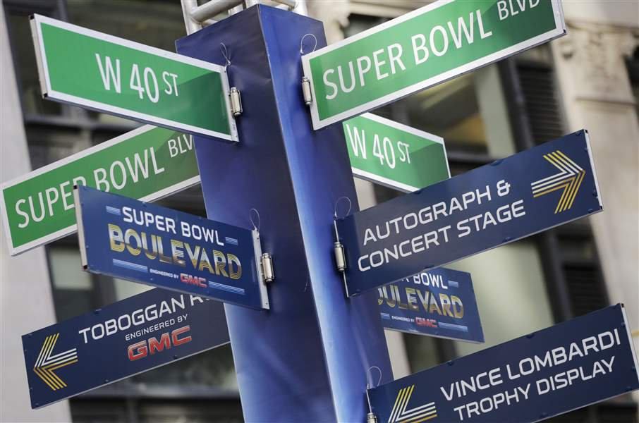 Super-Bowl-Boulevard-Football-2