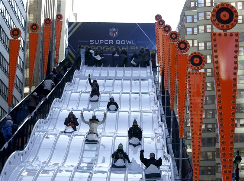 Super-Bowl-Football-34