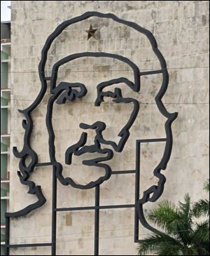 An image of Marxist revolutionary Che Guevara on a building facing Revolution Square in Havana.