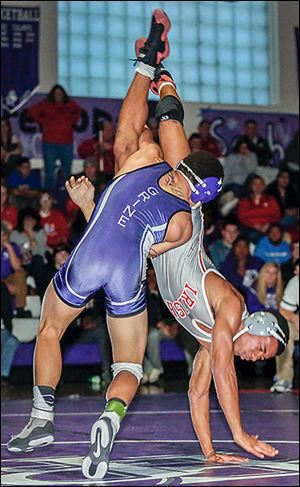 Fremont Ross' Trey Grine beat Central's