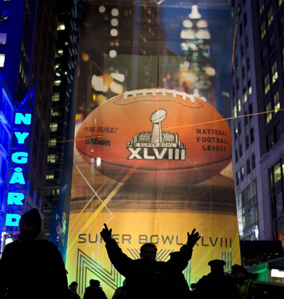 Super-Bowl-Football-51