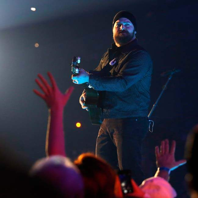 CTY-ZACBROWNp-fans-reach-out