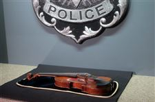 Violin-Theft-Milwaukee-4