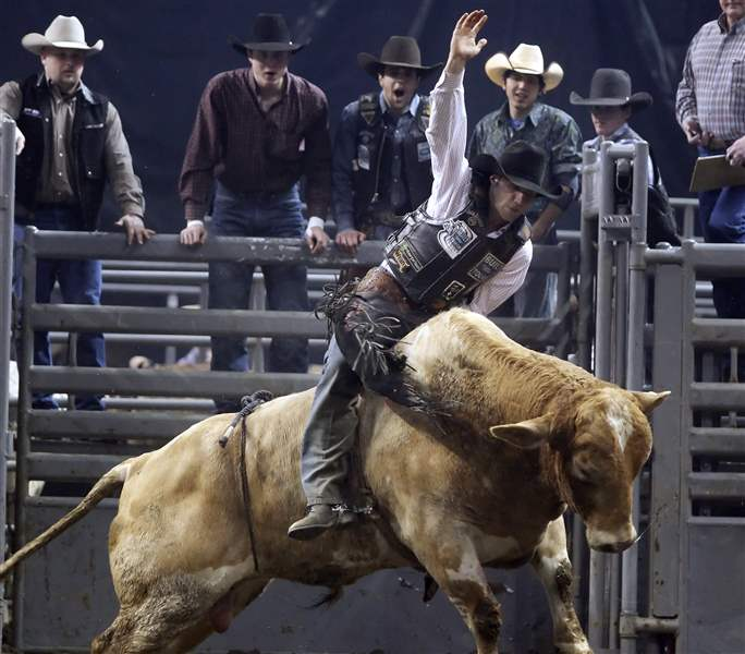 CTY-bullriders20p-Billy-Robinson