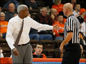 BGSU coach Louis Orr speaks with an official.