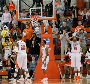 Bowling Green players and fans react after Akron took the lead with 2.3 seconds left in the contest on Sunday.