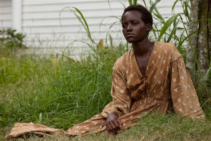 Lupita-Nyong-o-in-a-scene-from-12-Years-a-Slave-N