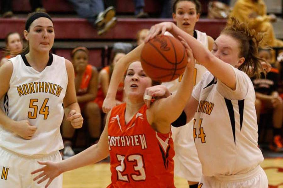 SPT-GIRLSsectball23p-stanley-vs-cole-over-loose-ball