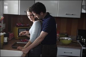 Keri Russell as Elizabeth Jennings, left, and Matthew Rhys as Phillip Jennings in a scene from